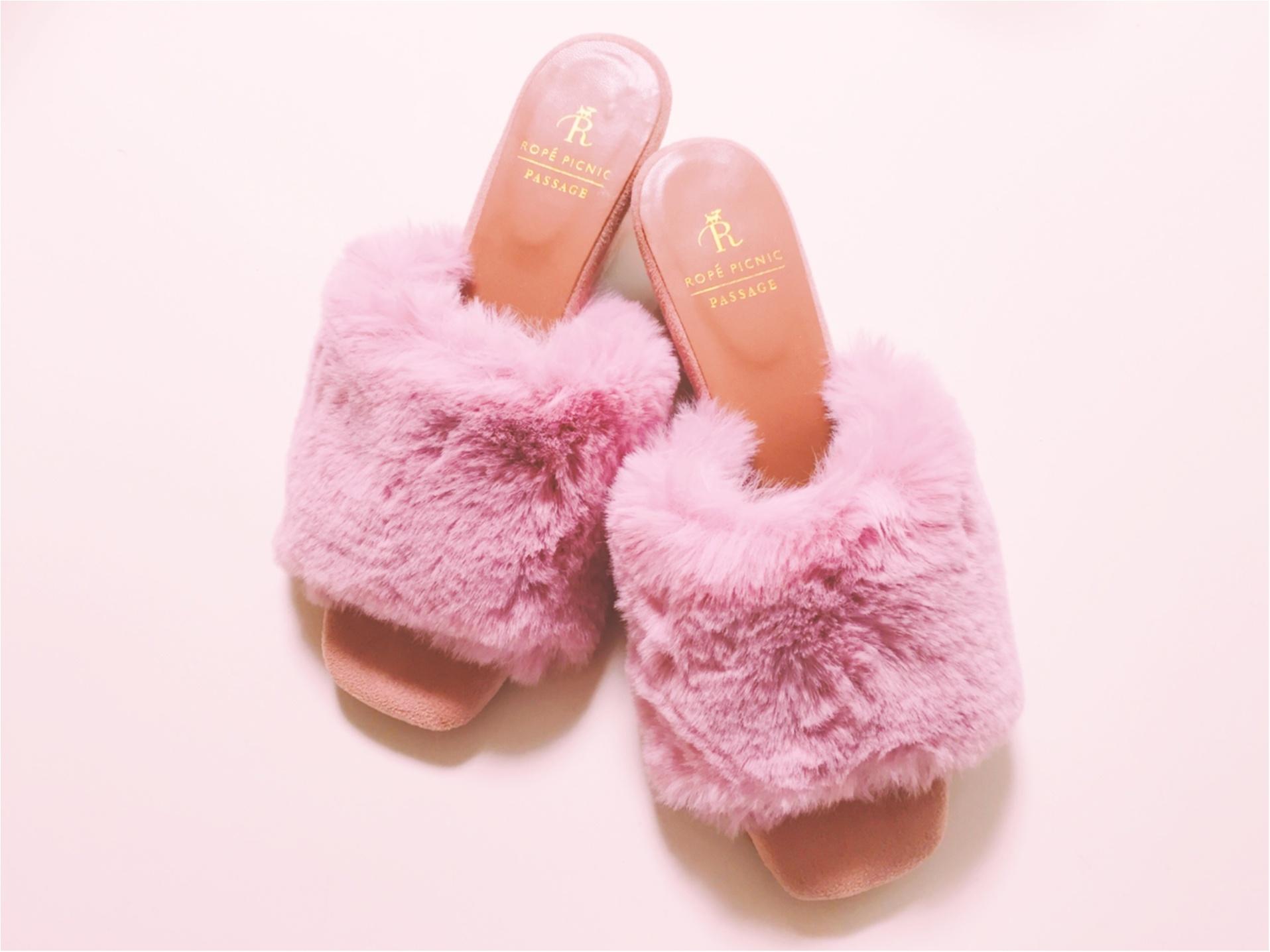 今年の秋は【ファーサンダル】WEB限定色のピンクが可愛いです♡_1