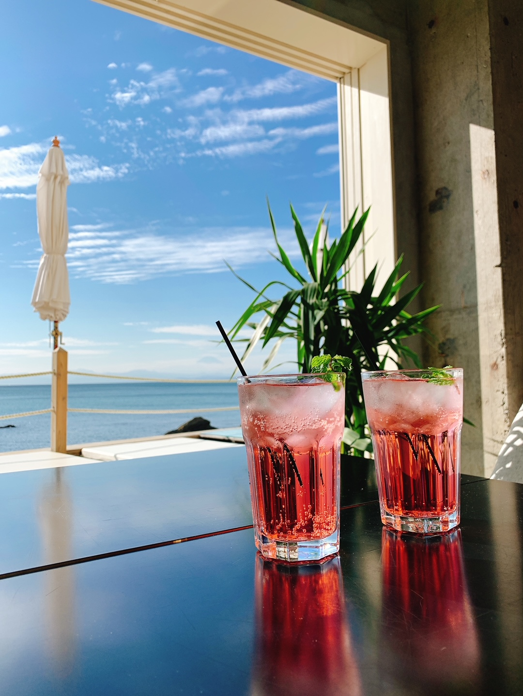 【女子旅】ソファでゆったりと海を眺められるカフェ♡_3