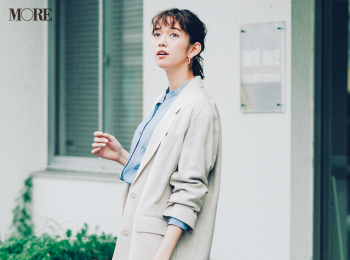 【今日のコーデ】<佐藤栞里>ベージュとブルーのおしゃれ配色をごく淡いトーンで。この爽やかさが好印象への近道!