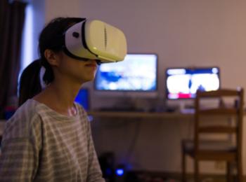 バーチャルセックスの世界。VRでの経験人数は200人【モア・リポート21】