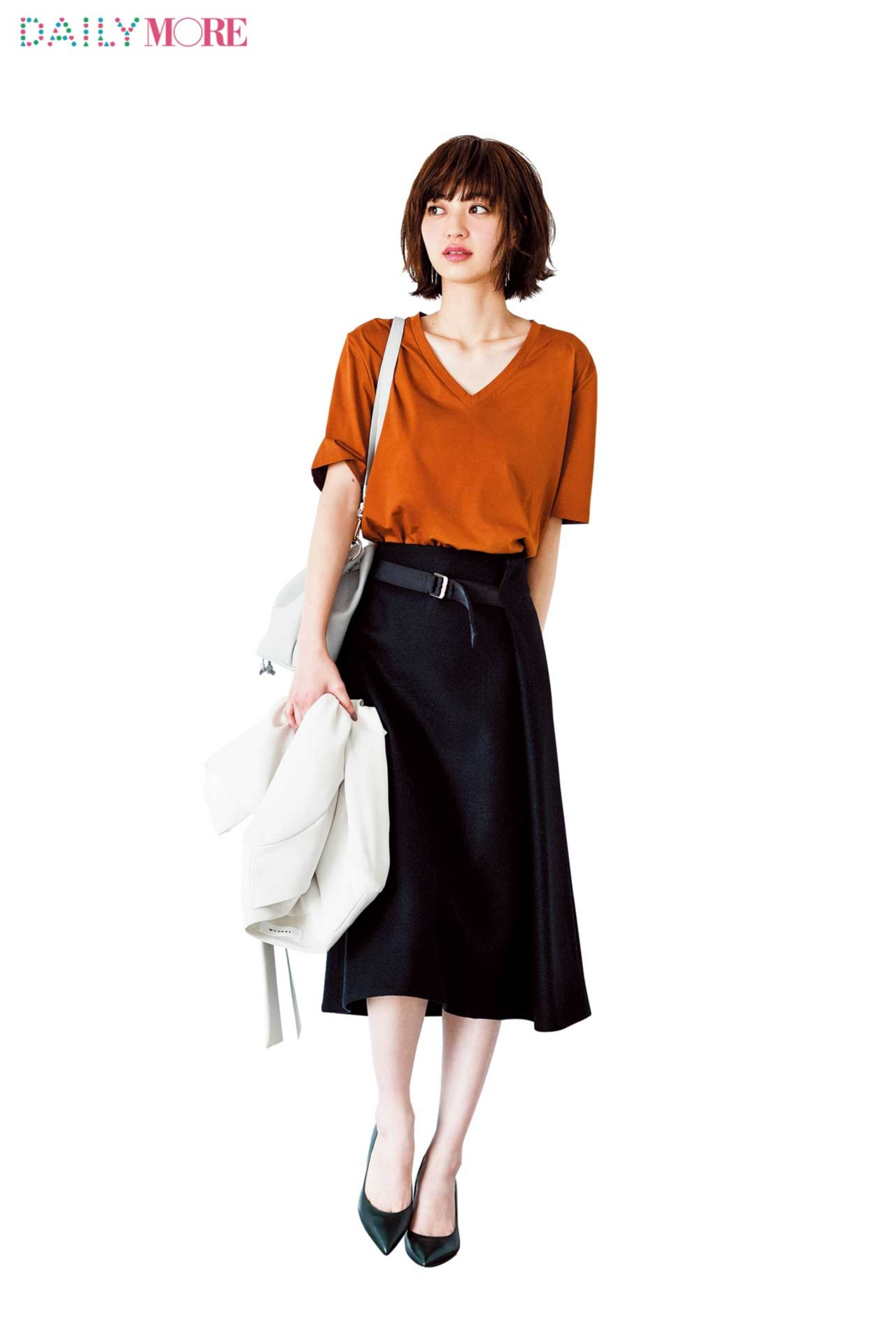 【今日のコーデ/逢沢りな】Tシャツコーデを一新したい金曜日は最旬ラップスカートで格上げ!_1