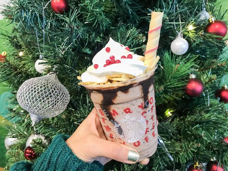 【スタバ 新作レポ】クリスマス第3弾「サンタブーツ チョコレート フラペチーノ」がすごい! 店舗限定スペシャルフォトスポットも登場♡_4