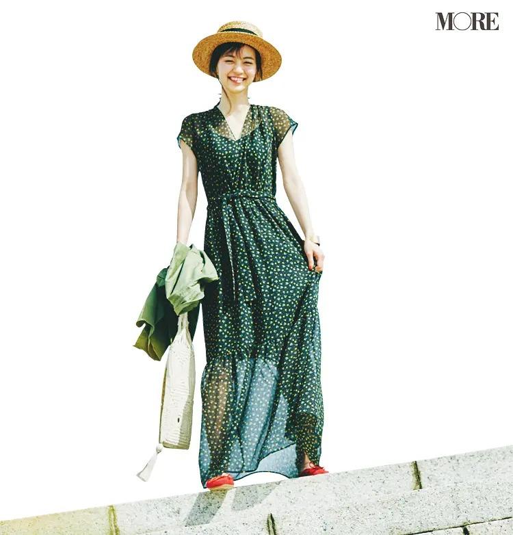 「ぺたんこ靴のブレザー」でつくるパリジェンヌ風の休日コーデ3