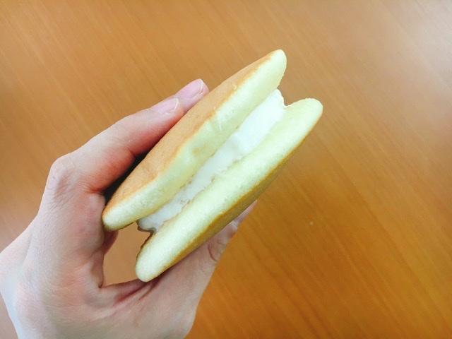 【セブンスイーツ】夏っぽ爽やかスイーツ《パンケーキレモン&レアチーズ》_2