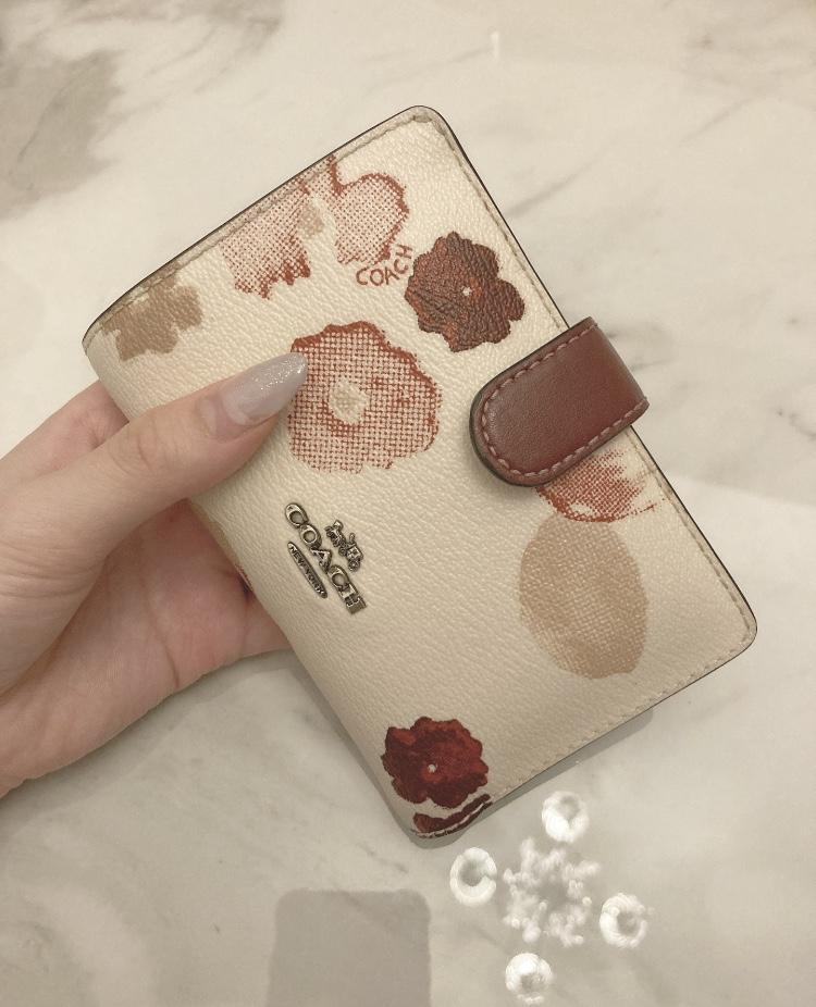 【20代女子の愛用財布】LOUIS  VUITTONの長財布×COACHのミニ財布を使い分け♡_4