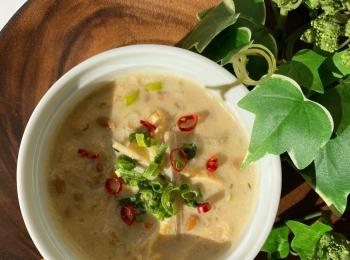 美腸になれる!ダイエットスープ【納豆と油揚げの辛味噌豆乳スープ】