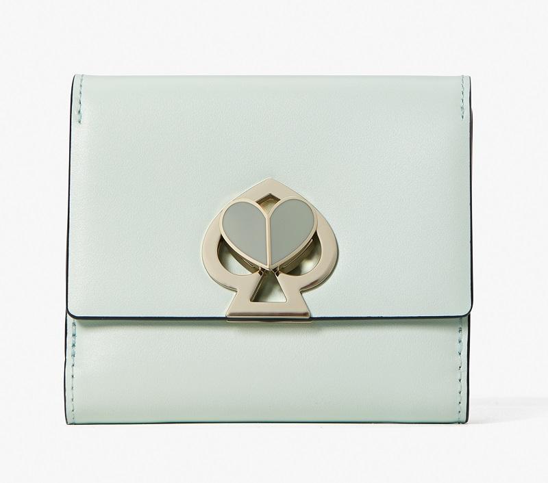 ケイトスペード、淡いブルーのお財布