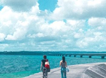【女子旅におすすめ】沖縄県《橋で渡れる離島 古宇利島》20代のうちに行っておきたい、隠れ絶景スポット♡