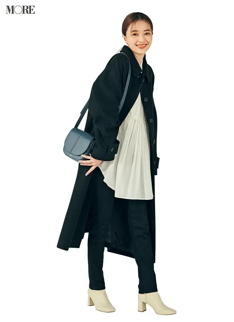 【ショートブーツコーデ】黒スキニーパンツ×白ブーツ
