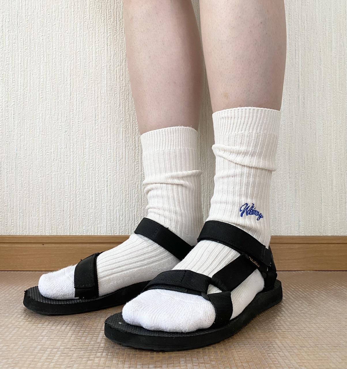 スポーツサンダル×白靴下