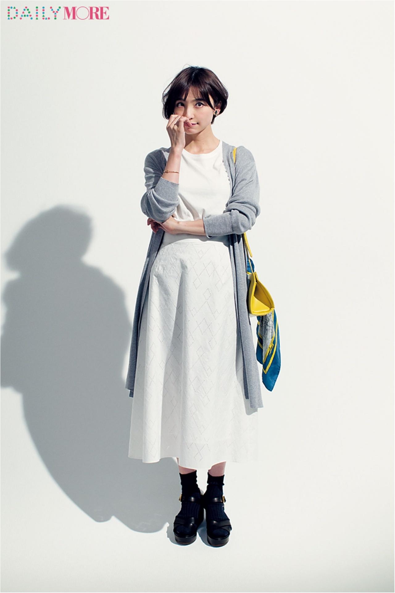 【今日のコーデ/篠田麻里子】Tシャツが着たい木曜日は夏っぽモノトーンが効果的!_1