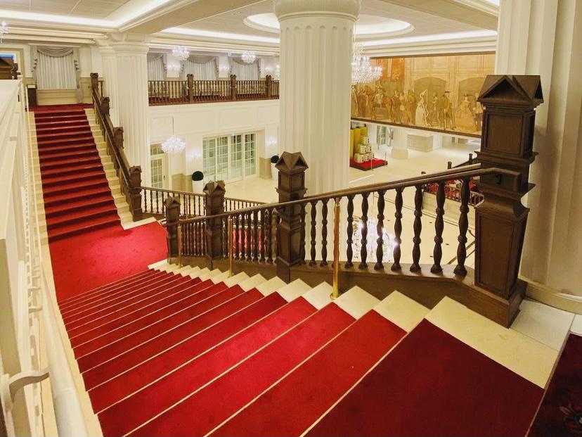 宝塚ホテル レッドカーペット ホテルエントランス