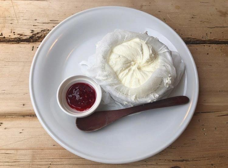@神戸【センスが光るお洒落カフェ♡】新感覚?!レアチーズケーキがうまい_1