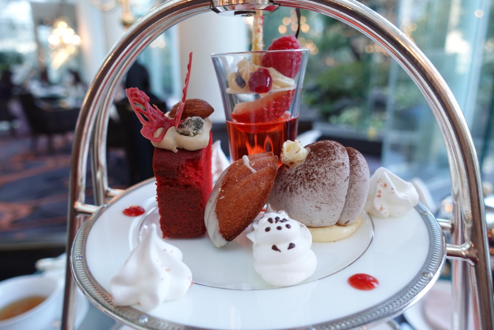 【大阪】ウェスティンホテル大阪の「Berry Berry アフタヌーンティー」でいちごを堪能!お庭に鯉も泳いでいて癒やされた_2