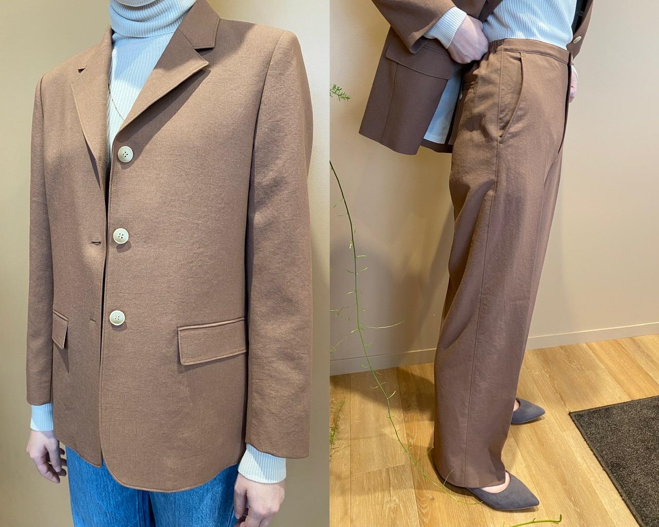 ユニクロユーのジャケットとパンツを試着
