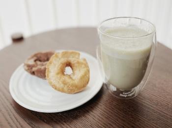 【腸活レシピ】毎朝飲んでる便秘改善効果のある特製スムージー