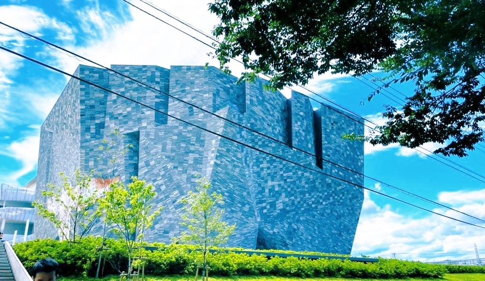 角川武蔵野ミュージアム周辺で、大人も楽しめる観光スポット周遊♪_1