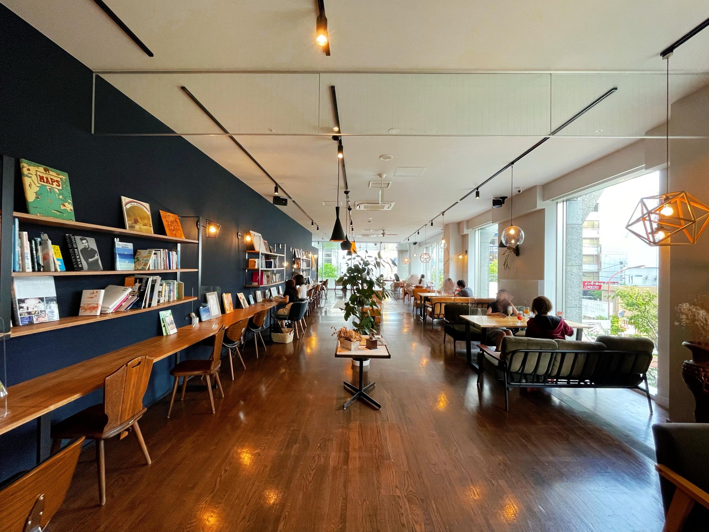 岡山発の人気ブックカフェ「うのまち珈琲店」