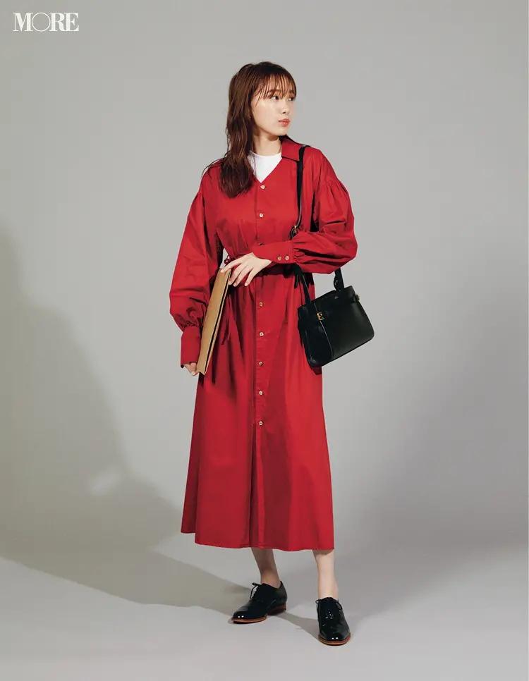 【秋オフィスカジュアル】赤:黒小物で上品なフレンチシックに寄せて