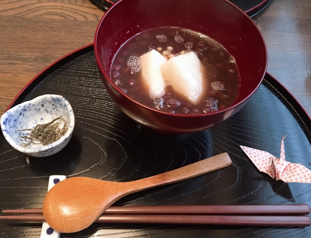 雪も溶けてきたので、少し外をおさんぽ!前から気になっていた茶屋に行ってきました♡_2