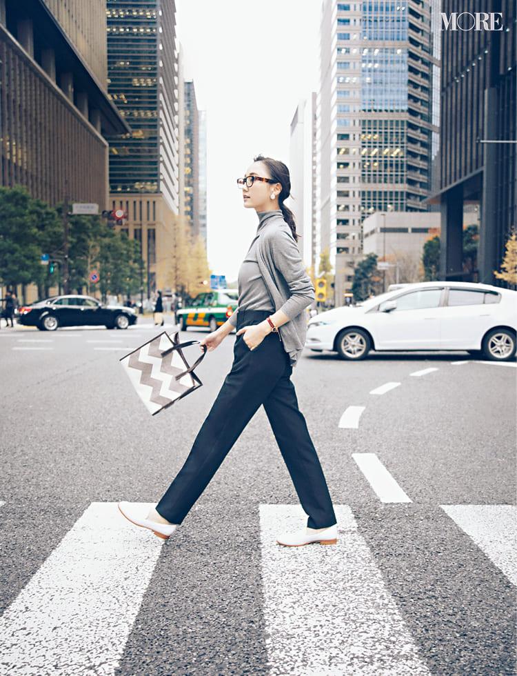 オフィスカジュアルのパンツ特集 - 20代女性におすすめブランドやおしゃれなレディースコーデまとめ | 2020年版_23