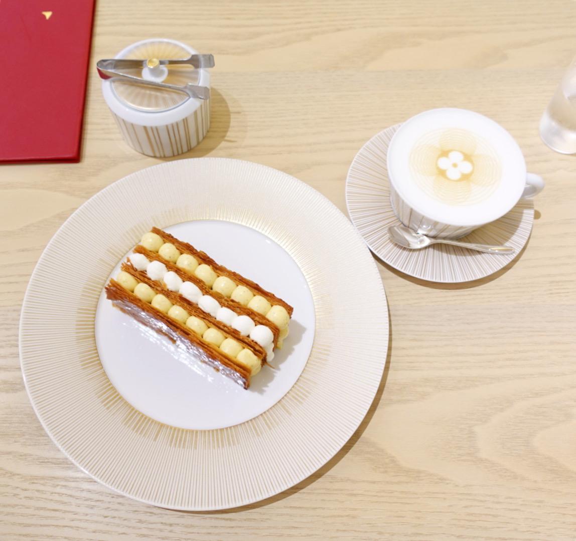 【大阪】世界初!ルイヴィトンのカフェ!?「LE CAFE V」に行ってみたら一番人気のミルフィーユが大きすぎる!?ブルジョアな気分になるカフェに潜入!!!_3