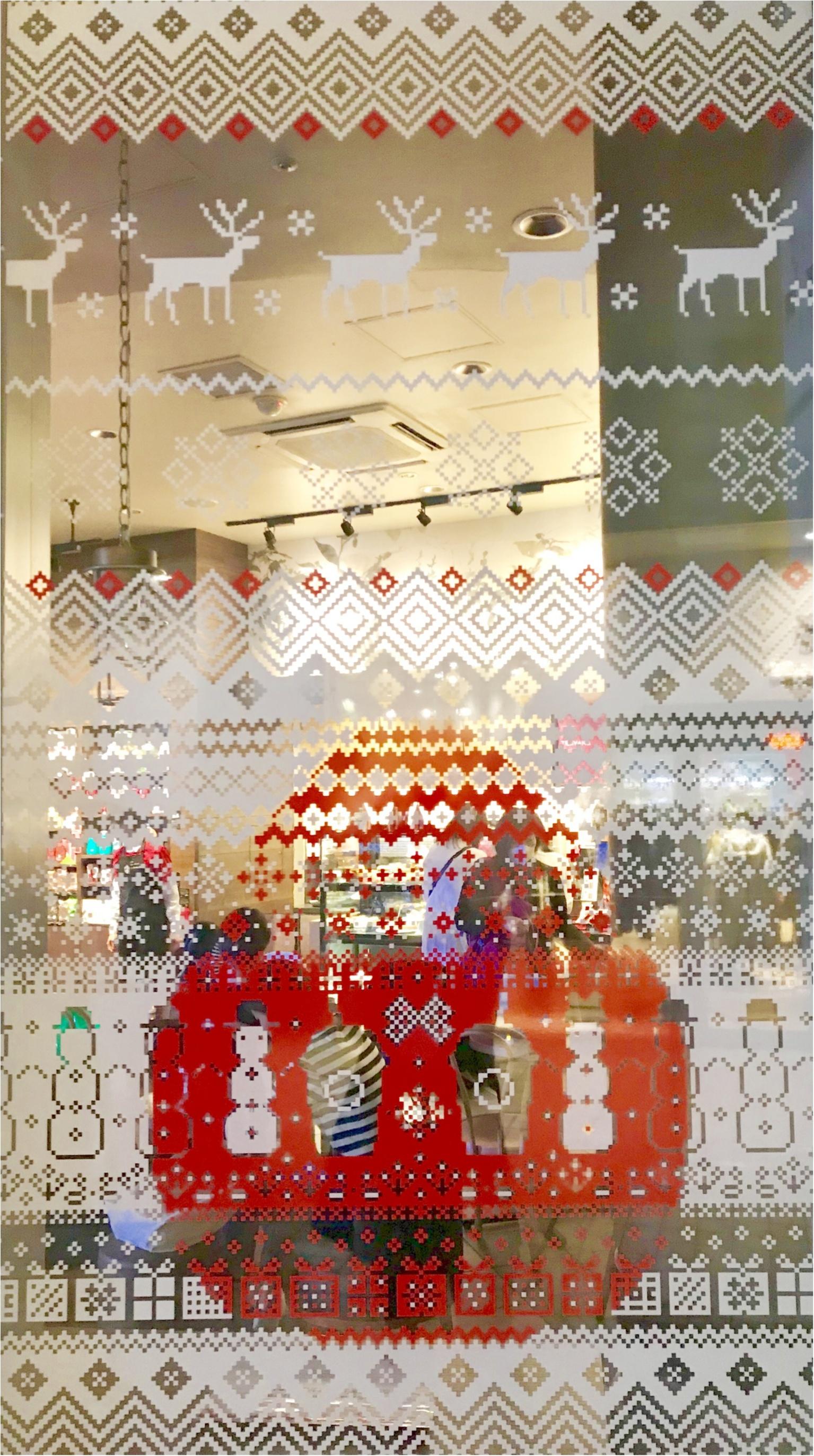 スタバが東京ドームシティ ラクーア店で、初のイルミネーションを開催中♡ なんとお店がクリスマスケーキに!!_2