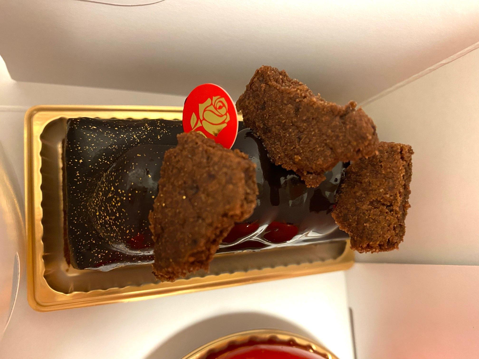 白金高輪駅にある《パッション ドゥ ローズ》はインパクトのあるケーキ屋♡_7