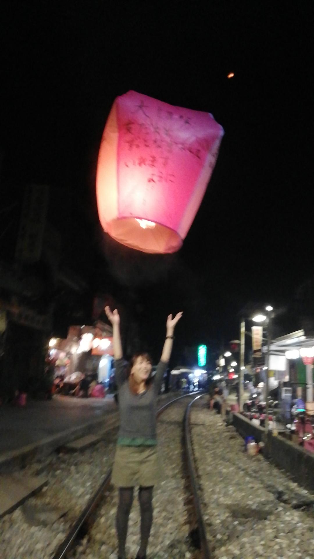 【台湾・十分】願いごとを空の神様へ届ける天燈あげを体験してきました。_8