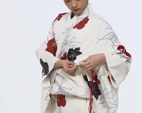 【わかりやすい動画付き】浴衣のセルフ着付け・帯の結び方 - 一人でできる! 女性の浴衣の着方は?_39