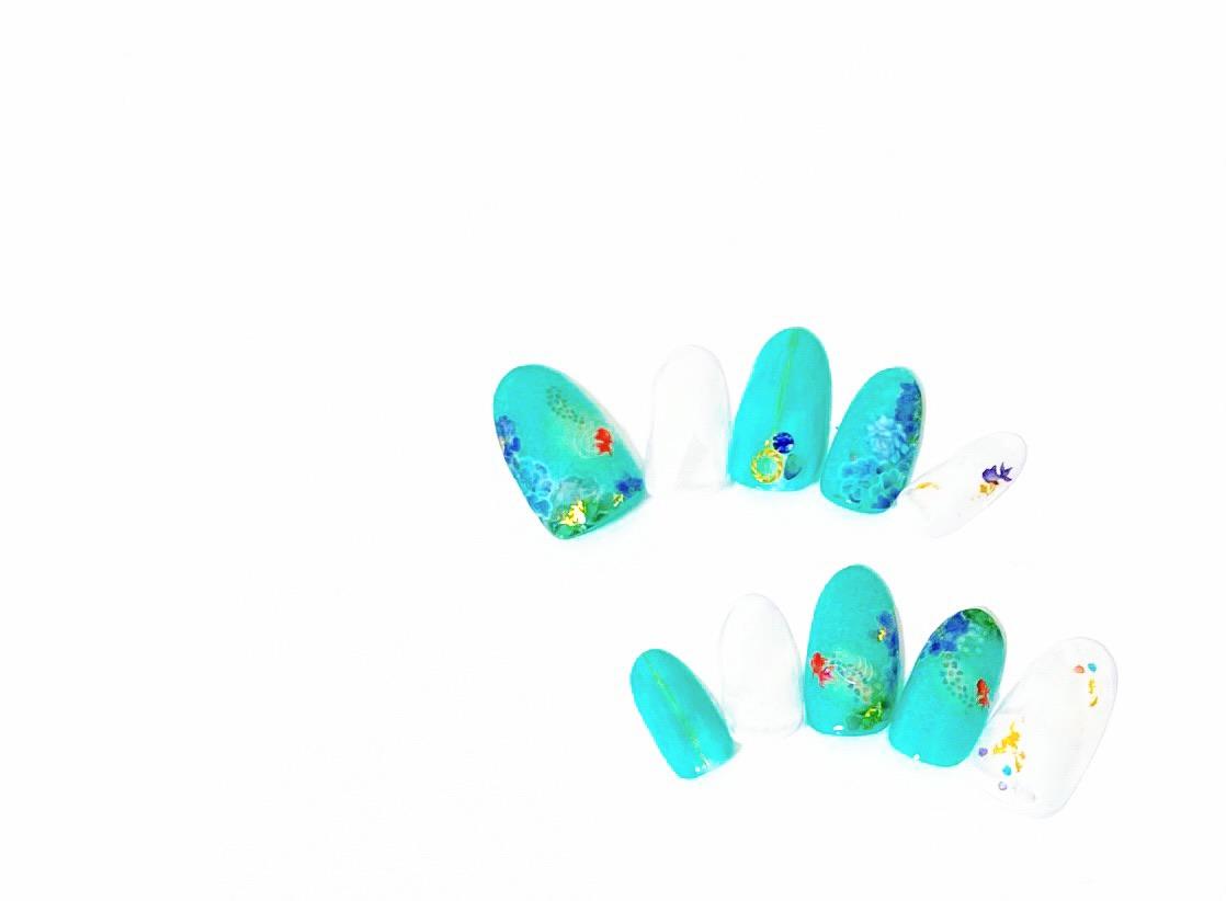 【夏ネイル・マニキュア】指先も楽してポップに涼やかに!掘り出し物の金魚柄_2