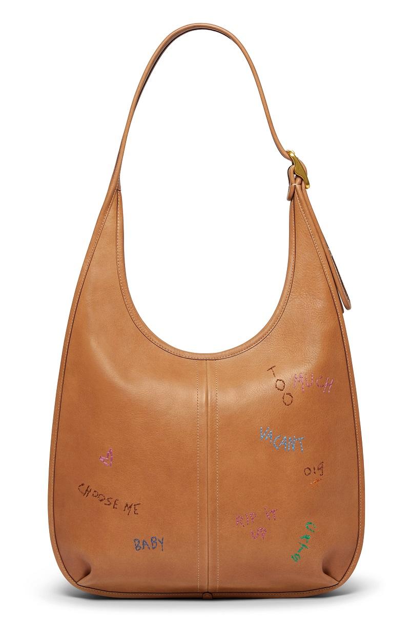 かつてのアイコニックなデザインをもとにした『COACH』新作コレクションのバッグ