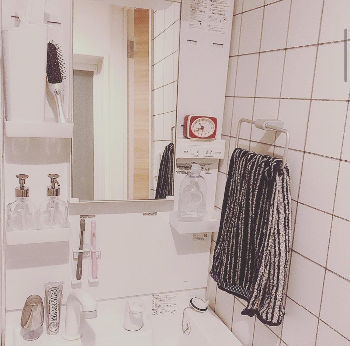 【賃貸インテリア】ふつうの独立洗面台でも諦めない!壁紙をチェンジしておしゃれにアップデートしてみた。_1