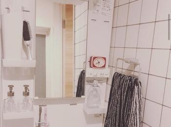 【賃貸インテリア】ふつうの独立洗面台でも諦めない!壁紙をチェンジしておしゃれにアップデートしてみた。