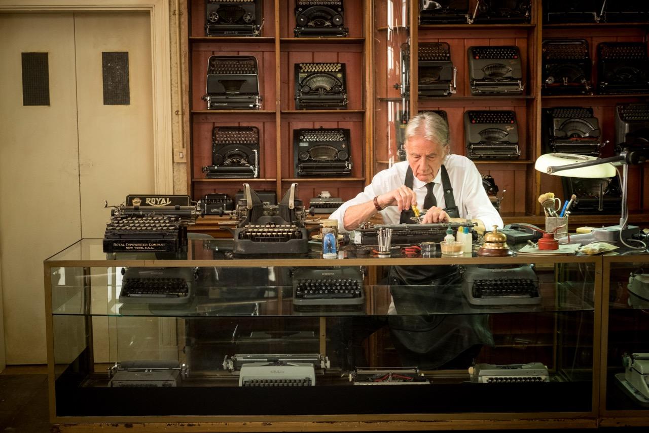 『ポール・スミス』が、映画『MIB:INTERNATIONAL』のカプセルコレクションを発売!_5