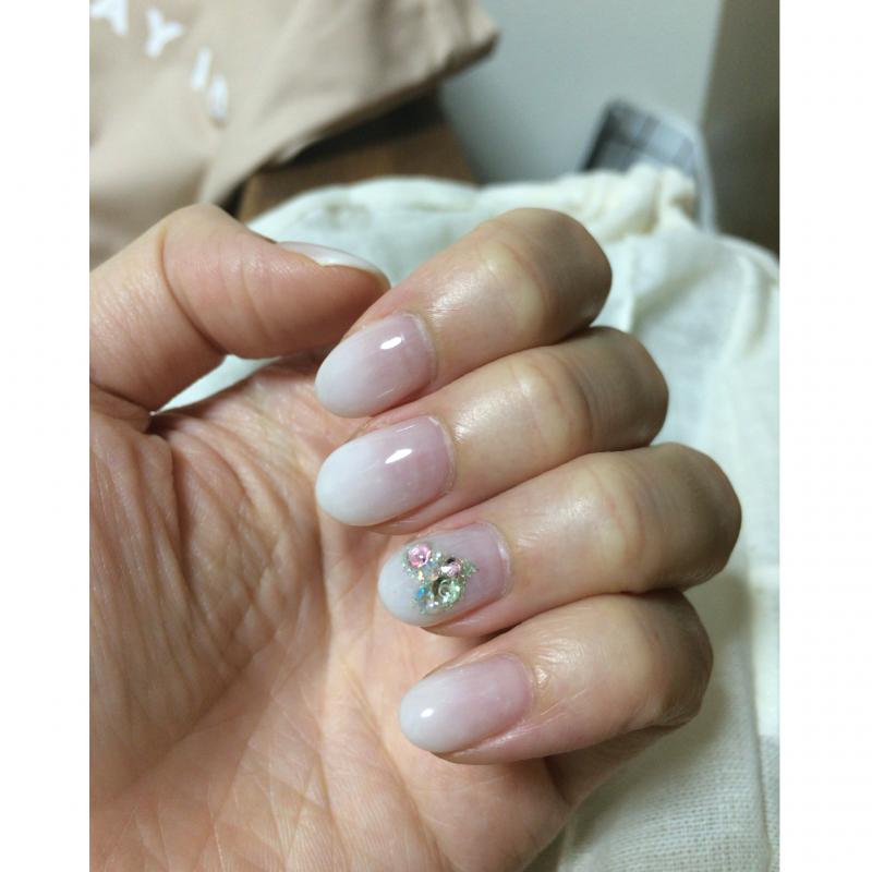 6月Nail*「シャーベットホワイトベースに煌めくグリーンハート♡をのせて」by Alisa*_2