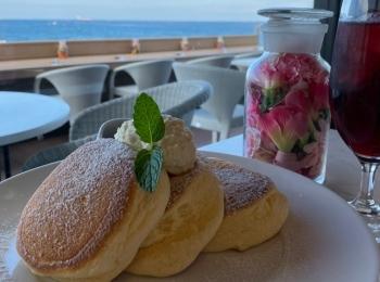 【幸せのパンケーキ】@淡路島テラス ロケーション抜群!海を眺めながらふわふわパンケーキが食べられる