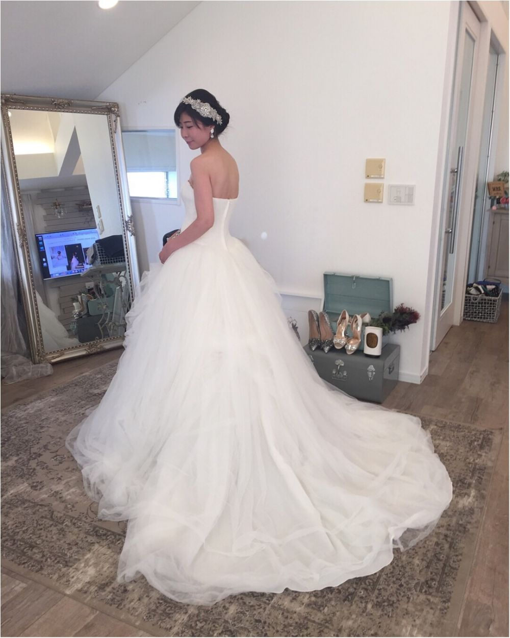 卒花さんに聞く【ドレス特集】-  結婚式・二次会におすすめ! プレ花嫁さんに人気のおしゃれなウェディングドレスは?_22