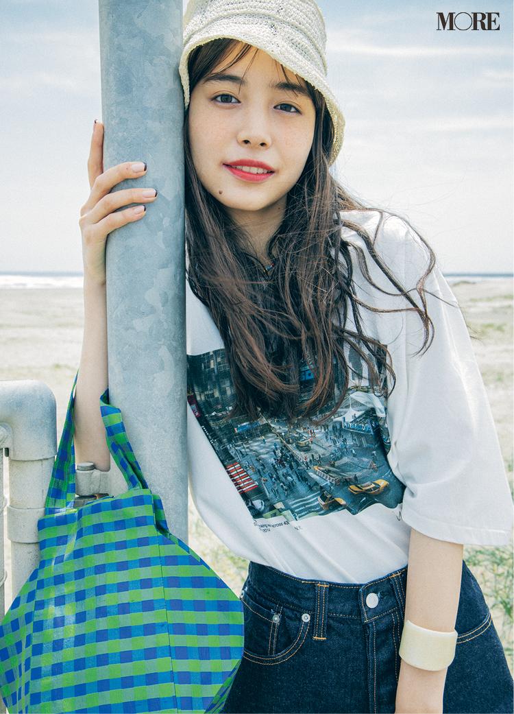 トレンドのフォトTを着た井桁弘恵