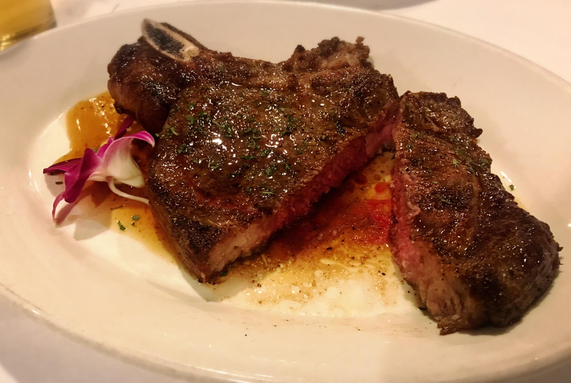【ハワイグルメ5】肉好き女子必見*オシャレな空間で熟成肉を堪能! ハッピーアワー情報も♩_6