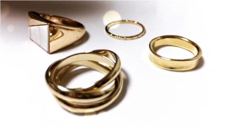 今、注目の【3連リング】存在感抜群のリングが手元を一気に華やかな雰囲気に。。♡♡♡_3