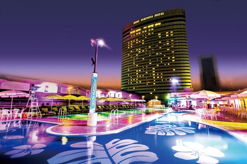 『神戸ポートピアホテル』ナイトプールの要素
