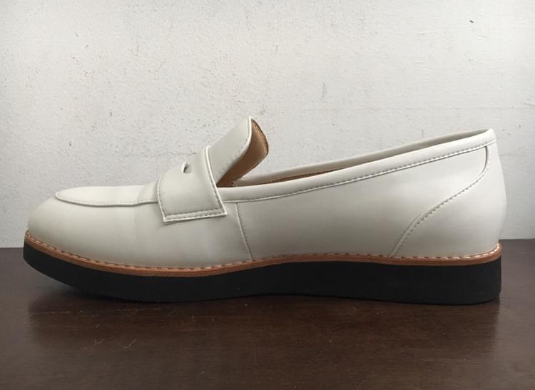 【フラット靴】春靴は爽やかホワイトカラーで!フラットな白ローファーで楽チンおしゃれ♡_3