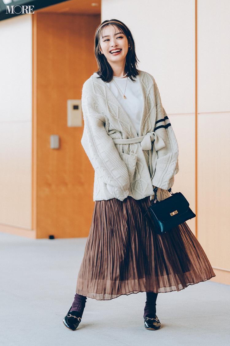 【今日のコーデ】シアーなスカートにカーディガンの内田理央