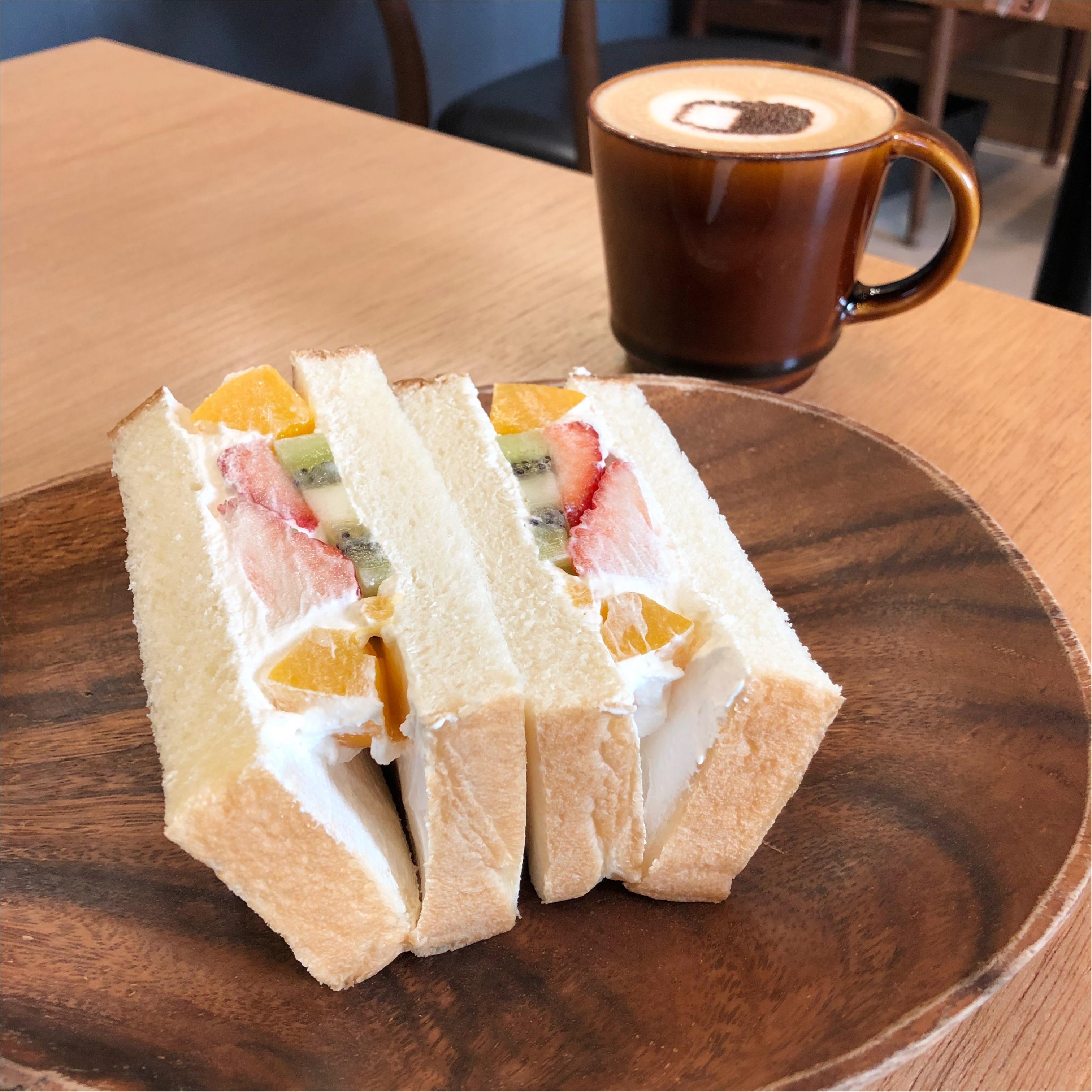 博多の食パン専門店『 むつか堂カフェ  』のフルーツミックスサンドがふわふわ甘くて美味しい♡♡_2
