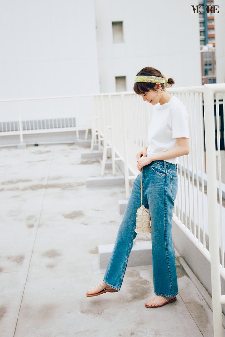【レディースTシャツコーデ】白Tシャツ×ストレートデニムパンツのコーデ