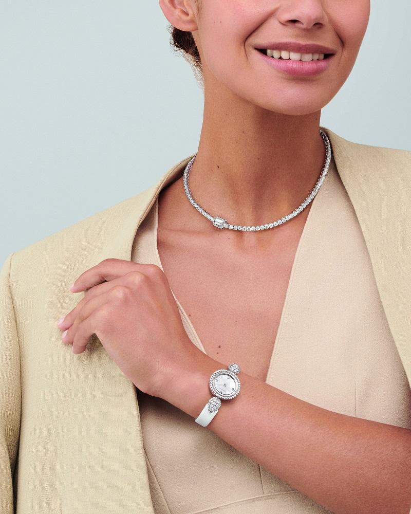 ブシュロンの新作時計、キービジュアル