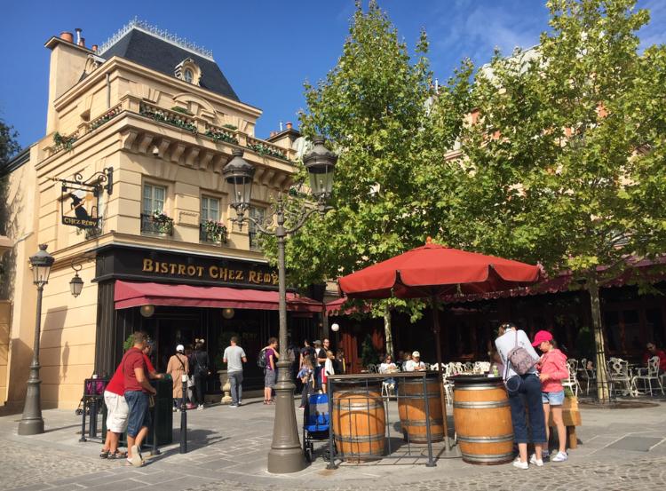 【パリディズニー】《レミーの美味しいレストラン》に潜入!パリの街並みを再現したエリアで優雅なランチを♪_3