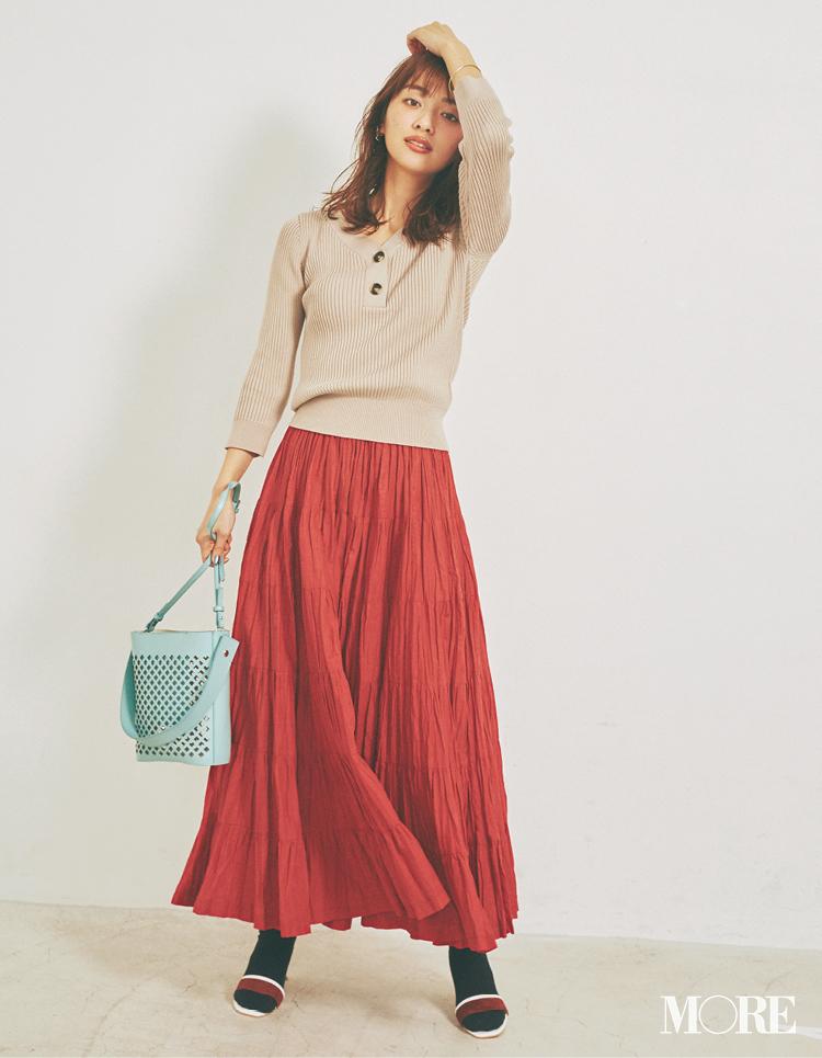 ベージュコーデ特集(20代後半女子向け)- 春におすすめのワンピースやスカート、靴などのコーディネートまとめ_28