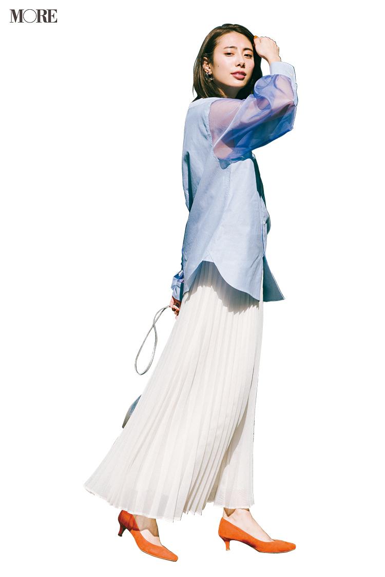 【今日のコーデ】<土屋巴瑞季>シャツをアウトで着るだけで定番スカートが今っぽバランスに_1